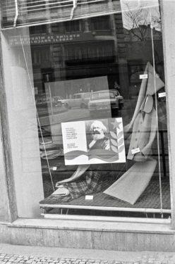 Praga, vetrina negozio, 1978